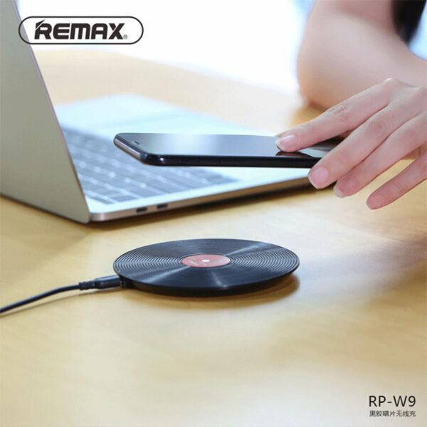 فروش عمده شارژر بی سیم ریمکس مدل Vinyl RP-W9